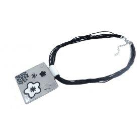 Retro nyaklánc fém medállal