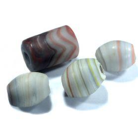Nagyméretű ásvány gyöngy kb1.5x2.5cm